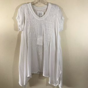 Johnny Was White Embroidered NWT Flowy Blouse S